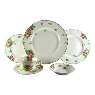 Clarice Cliff Staffordshire, Wilkinson, Rose, Gold Service for 4 Dinnerware - 24 Piece Set For Sale
