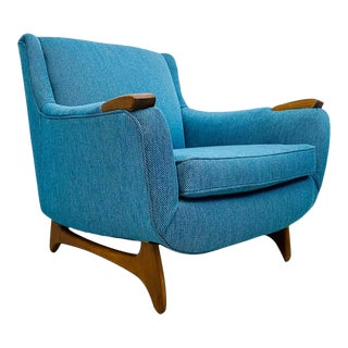 Mid Century Modern Restored 1950s Blue Tweed Lounge Chair With Walnut Legs and Arm Trim, in the Manner of Adrian Pearsall For Sale