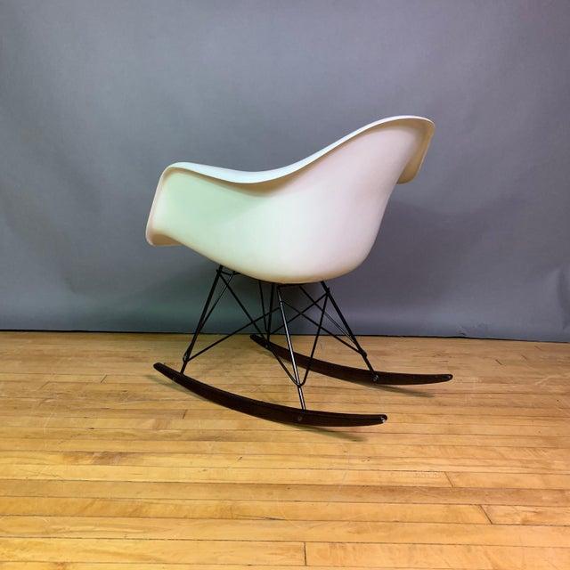 """Herman Miller Charles & Ray Eames """"Rar"""" Rocker, Herman Miller For Sale - Image 4 of 11"""