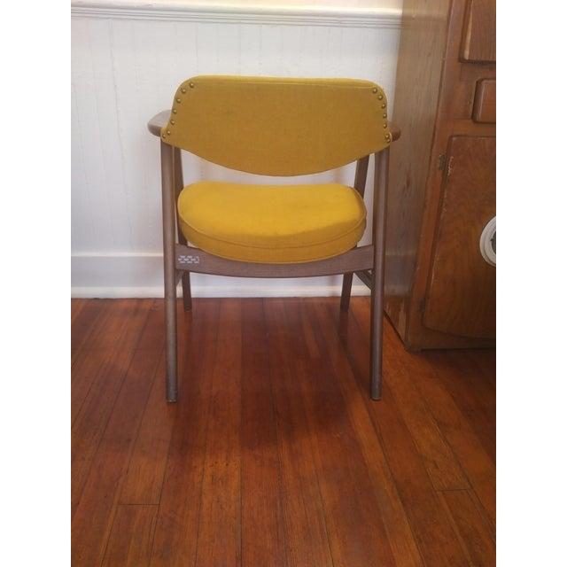 Paoli Chair Company 1960s Danish Modern Paoli Yellow Padded Chair For Sale - Image 4 of 11