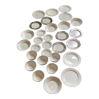 1990s Vintage Limited Edition Michael Wainwright Dinnerware Set - 30 Pieces For Sale