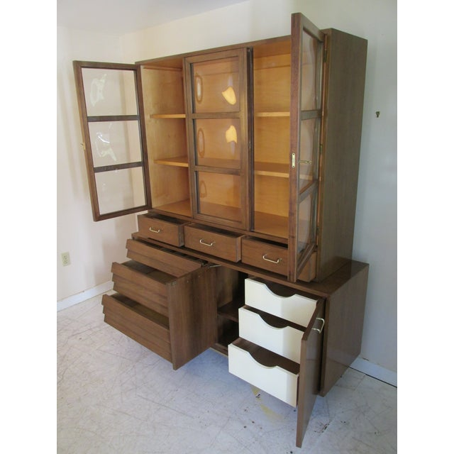 Mid-Century Modern China Cabinet by American of Martinsville - Image 4 of 11