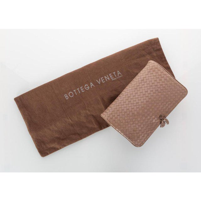 4044065461df Animal Skin Vintage Bottega Veneta Intrecciato Leather Tassel Clutch Bag  For Sale - Image 7 of