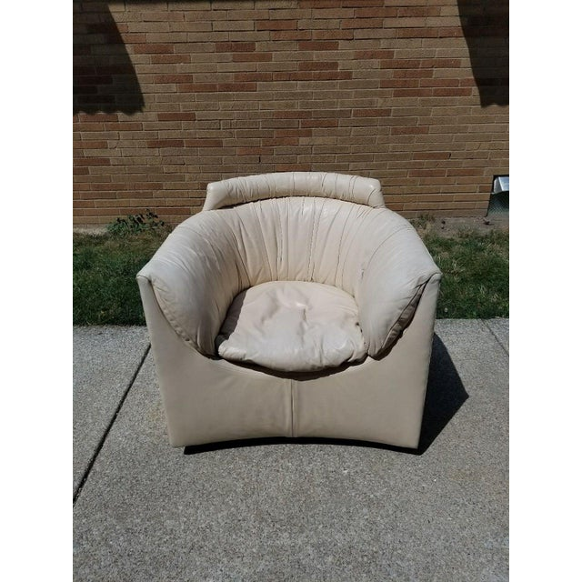 Rare John Saladino For Baker Furniture Club Swivel Chair in White Leather circa 1985 for Baker Facade Collection. Great...