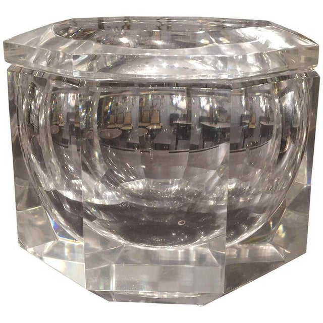 Mid 20th Century Mid-Century Modern Carole Stupell Style Lucite Ice Bucket For Sale - Image 5 of 5