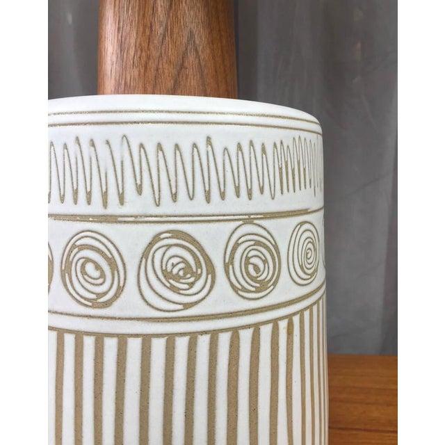 Marshall Studios Gordon & Jane Martz for Marshall Studios Ceramic & Teak Table Lamp For Sale - Image 4 of 6