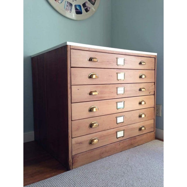 Contemporary Carved Oak & Laminate 6-Drawer Flat File Cabinet - Image 4 of 7