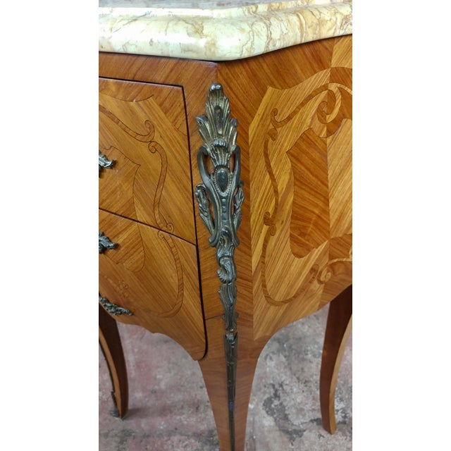 French 19th Century Marquetry Petit Commodes- a Pair For Sale In Los Angeles - Image 6 of 10