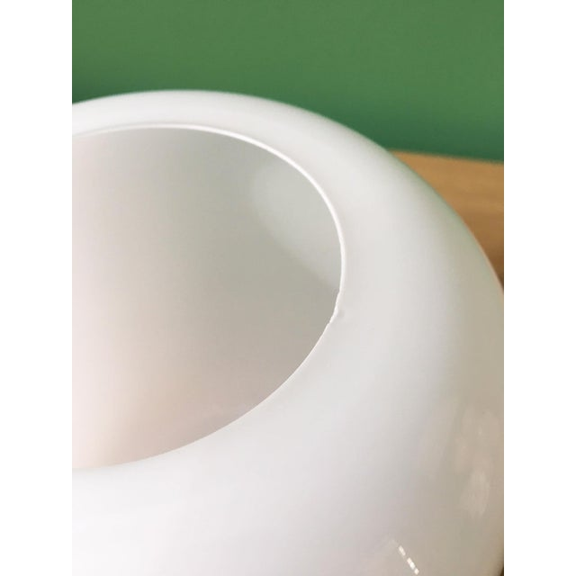 1960s Vintage Timo Sarpaneva Jurmo White Glass Vase For Sale - Image 5 of 7