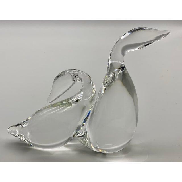 Steuben Vintage Steuben Glass Lloyd Atkins Crystal Preening Goose and Gander Decorative Figurines - Pair For Sale - Image 4 of 13