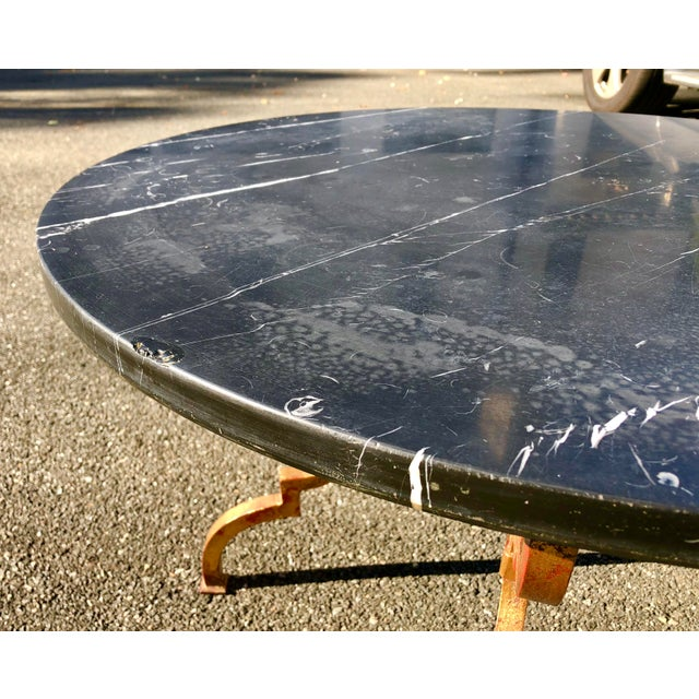 1960s Vintage French Hollywood Regency Gilt Wrought Iron Marble Top Coffee Table For Sale - Image 4 of 12