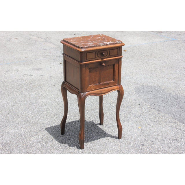 French 1900s French Louis XV Solid Walnut Nightstand For Sale - Image 3 of 13