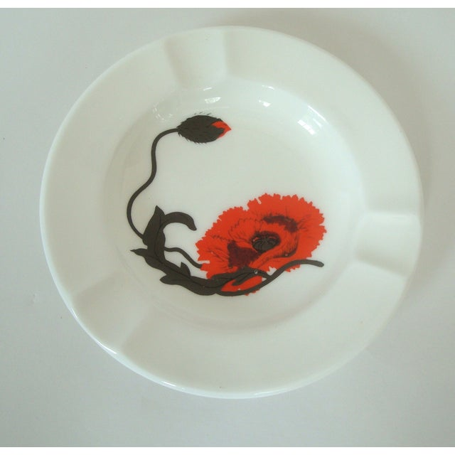 English Traditional Wedgwood Cornpoppy Bone China Set by Susie Cooper For Sale - Image 3 of 5