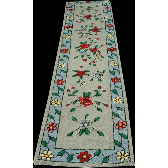 "1930s 1930s Antique American Floral Rug-2'2'x9'10"" For Sale - Image 5 of 5"