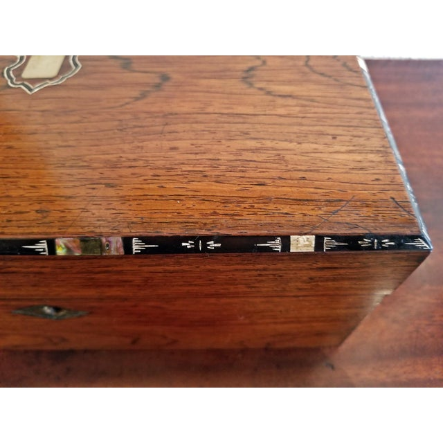 Abalone Early 19c Irish Mahogany Writing Slope With Armorial Crest For Sale - Image 7 of 13