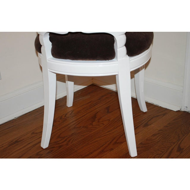 Vintage Shell Back Grotto Chair, Freshly and Professionally Lacquered For Sale In Cincinnati - Image 6 of 9