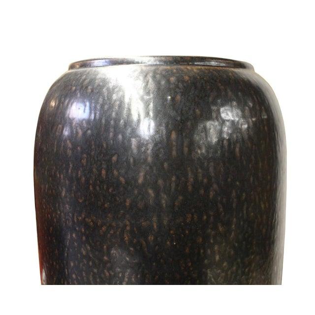 Ceramic Metallic Black Glaze Tall Slim Vase Jar cs2615 For Sale - Image 4 of 6