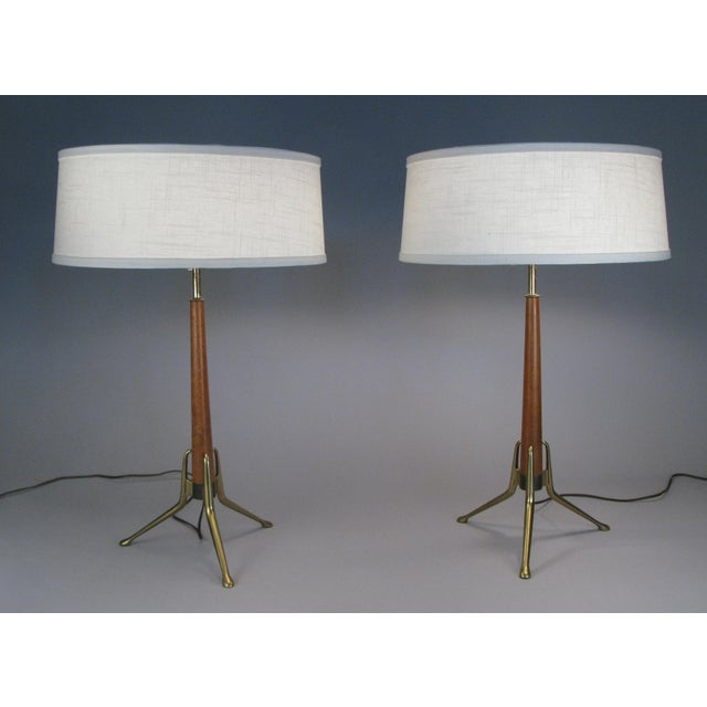 Mid-Century Modern Brass and Walnut Lamps by Gerald Thurston for Lightolier - a Pair For Sale - Image 3 of 8
