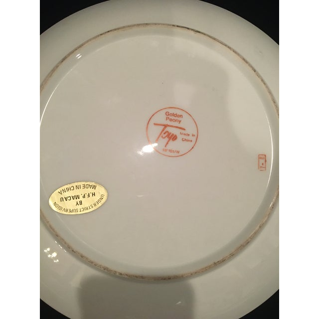 Chinoiserie Plate in Golds & Pinks For Sale In Naples, FL - Image 6 of 9