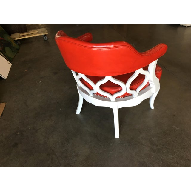 Dorothy Draper Barrel Back Hollywood Regency Spiral Carved Chair by Dorothy Draper For Sale - Image 4 of 9