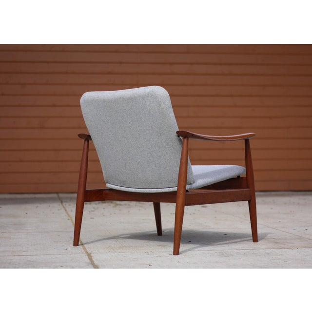 Teak 1950s Mid-Century Modern Finn Juhl Model Fd 138 Lounge Chair For Sale - Image 7 of 12