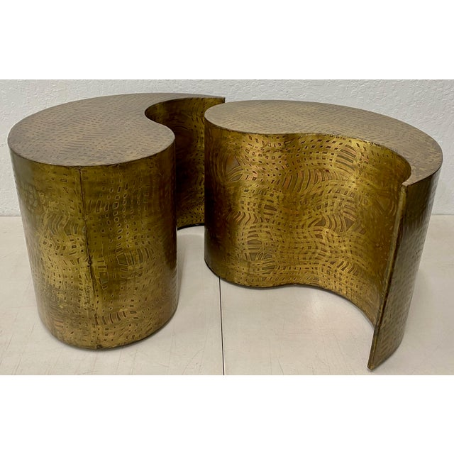 """Asian Pair of Pilino Parker Etched Bronze """"Yin Yang"""" Nesting Side Tables C.1988 For Sale - Image 3 of 12"""