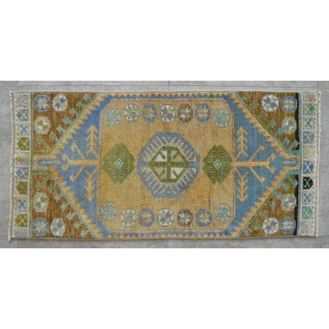 1970s Hand Knotted Door Mat, Entryway Rug, Bath Mat, Kitchen Decor, Small Rug, Turkish Rug - 1′7″ × 3′4″ For Sale - Image 5 of 5