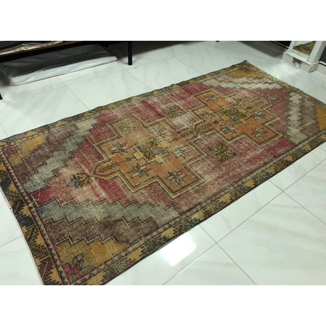 Textile 1960s Vintage Turkish Handmade Wool Aztec Rug- 4′ × 8′5″ For Sale - Image 7 of 11