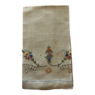 Vintage Linen Floral Hand Embroidered Guest Towel For Sale