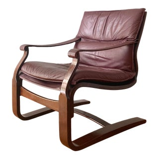 1970s Swedish Modern Leather & Sculpted Walnut Cantilever Lounge Chair by Ake Fribytter for Nelo Möbel For Sale