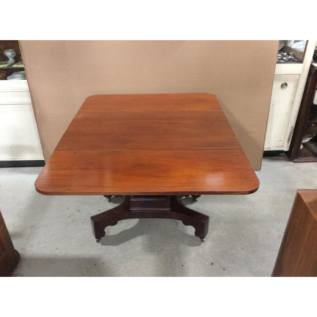 Mid 19th Century 19th Century American Classical Mahogany Drop Leaf Table For Sale - Image 5 of 9