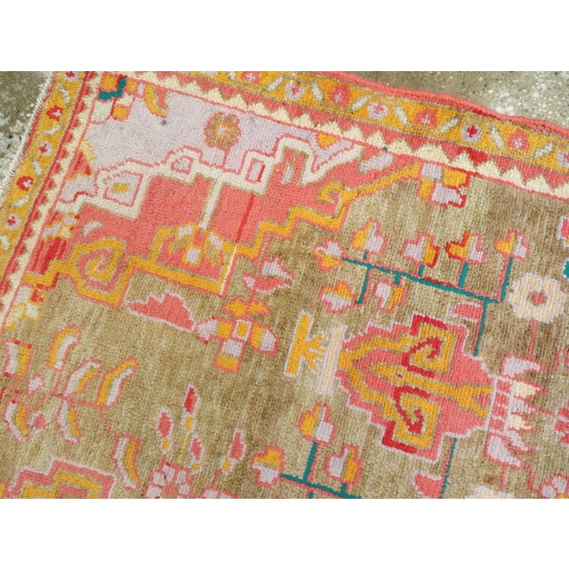 """Textile Vintage Persian Mahal Rug – Size: 3' 11"""" X 6' 8"""" For Sale - Image 7 of 10"""