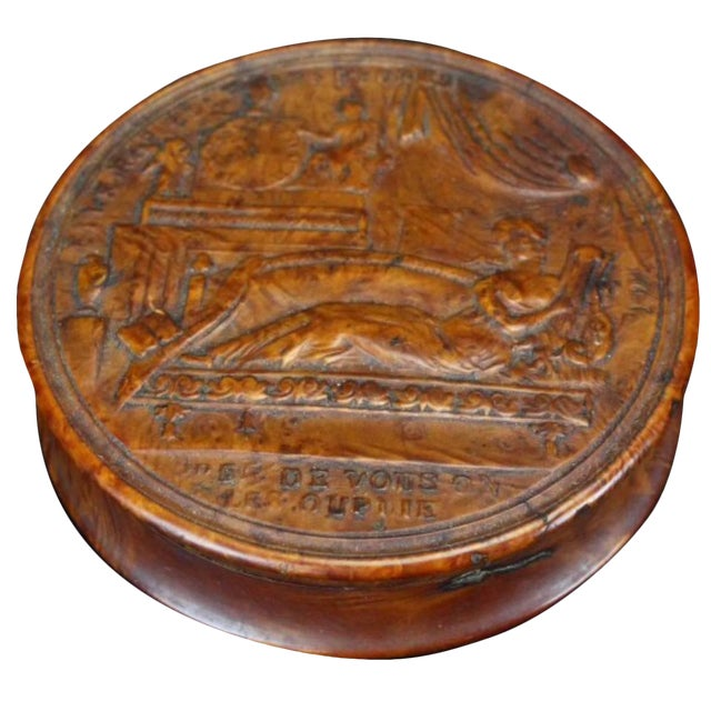 19th Century Empire French Pressed Wood Snuff Box For Sale