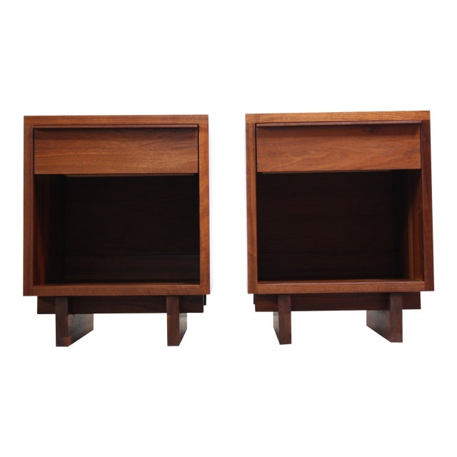 Pair of Vintage New England Solid Walnut Nightstands For Sale
