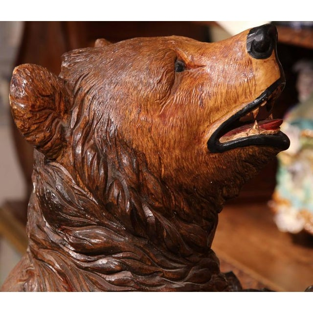 Early 20th Century French Carved Black Forest Three-Gun Holder Bear Sculpture For Sale In Dallas - Image 6 of 9