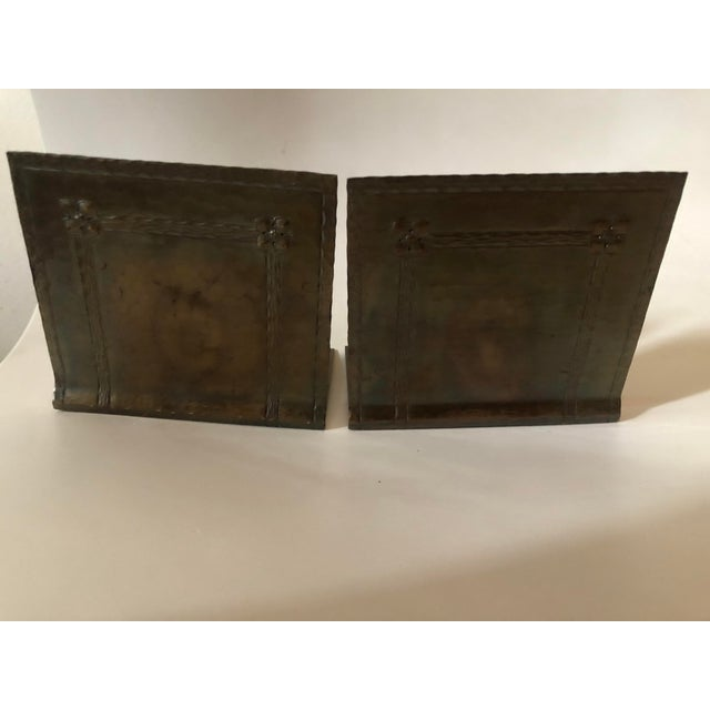 Metal 1910s Roycroft Arts & Crafts Hammered Copper Bookends - a Pair For Sale - Image 7 of 7