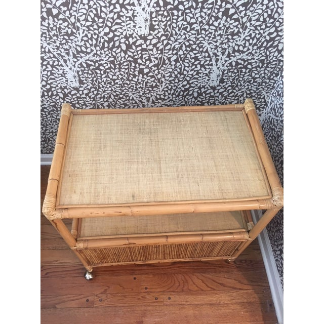 1970s Hollywood Regency Rattan Tiered Bar Cart on Brass Castors For Sale In New York - Image 6 of 8