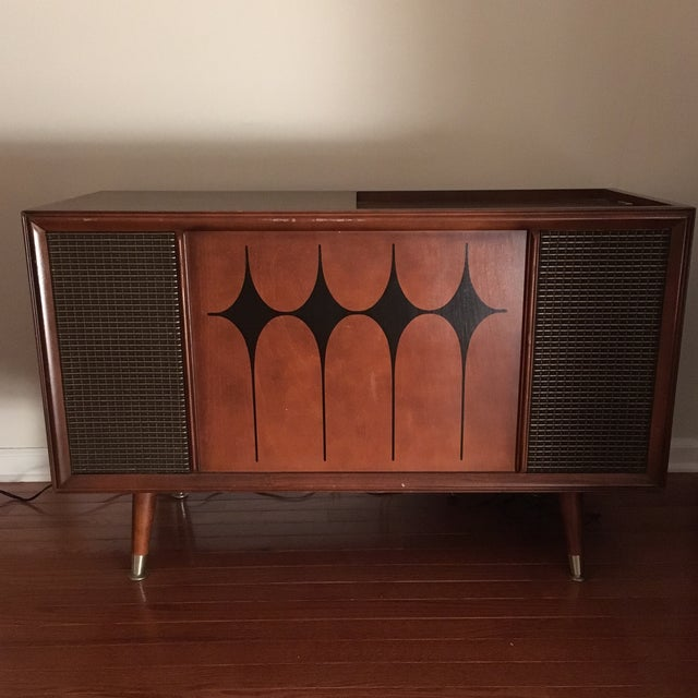 Vintage RCA Record Player Console - Image 2 of 10