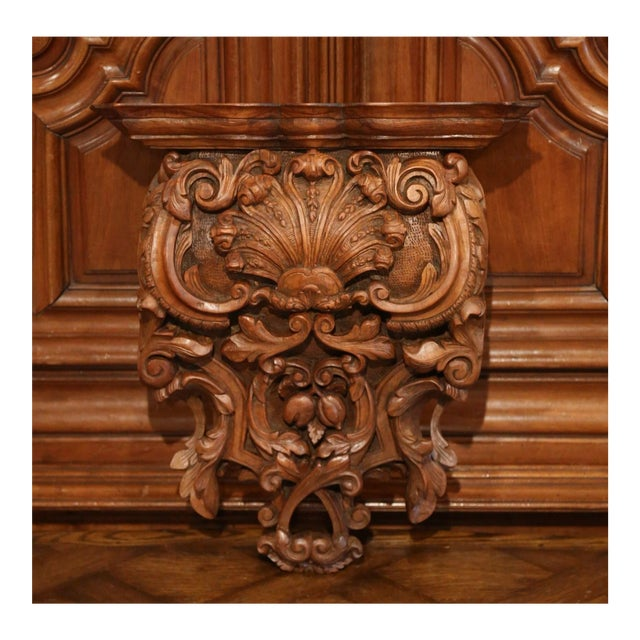 Mid-19th Century French Louis XIV Carved Walnut Wall Bracket With Shell Motif For Sale - Image 13 of 13