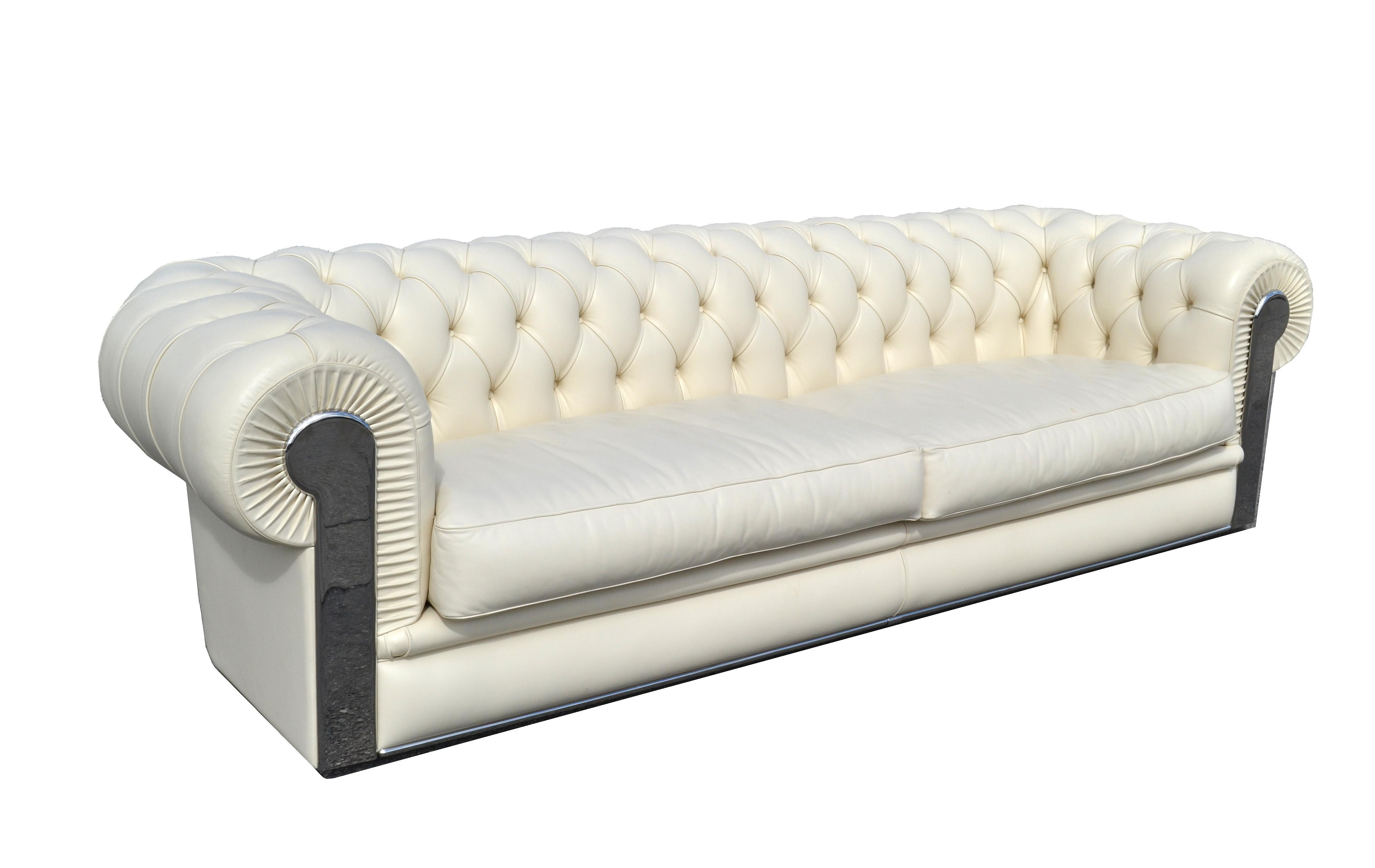 Fendi Casa Albino Tufted Leather Sofa In Chesterfield Style For Sale    Image 11 Of 11