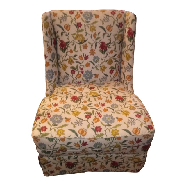 20th Century Shabby Chic Floral Print Accent Chair For Sale