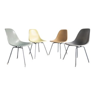 Vintage Multicolored Charles Eames for Herman Miller Fiberglass Shell Dining Chairs - Set of 4 For Sale
