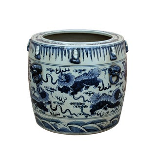 Chinese Vintage Finish Blue White Porcelain Foo Dogs Round Pot Planter For Sale