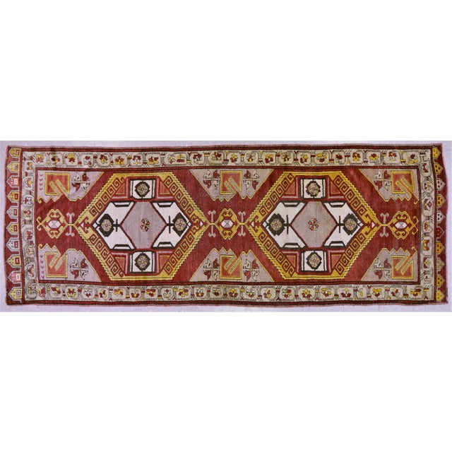 "Vintage Turkish Rug,4'x10'9"" For Sale In New York - Image 6 of 6"