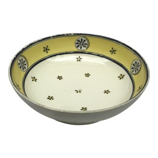 Early 19th Century Handpainted Wedgwood Serving Bowl For Sale