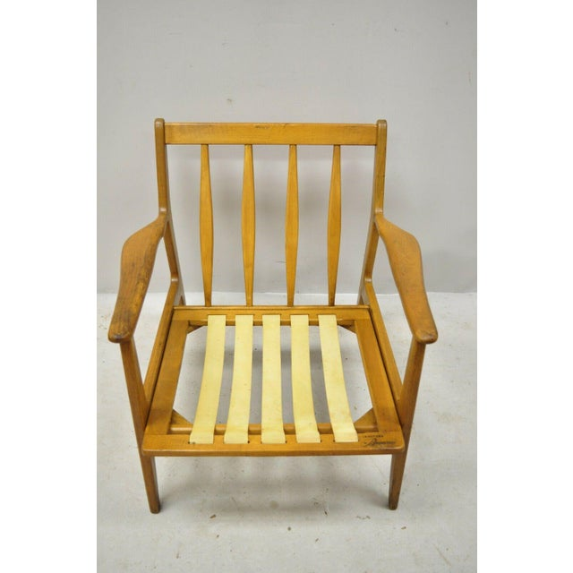 Mid 20th Century Modern Baumritter Walnut Lounge Danish Style Arm Chair. Item features solid wood frame, beautiful wood...