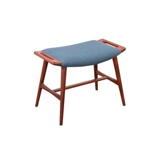Hans J. Wegner AP-30 Music Stool For Sale