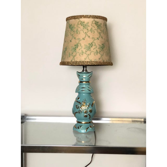 Mid Century Turquoise and Gold Table Lamp With Original Floral Shade For Sale - Image 4 of 8