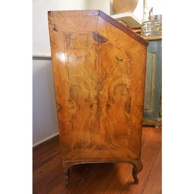 Traditional 18th Century Walnut Secretaire For Sale - Image 3 of 13