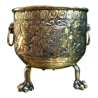 Antique Victorian French Brass Lion Head Crest Fleur De Lis Jardinière Cache Pot For Sale
